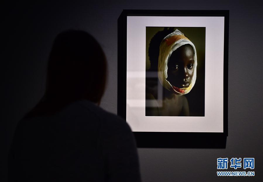 (国际)(2)德国杜塞尔多夫举行女战地摄影师作品展