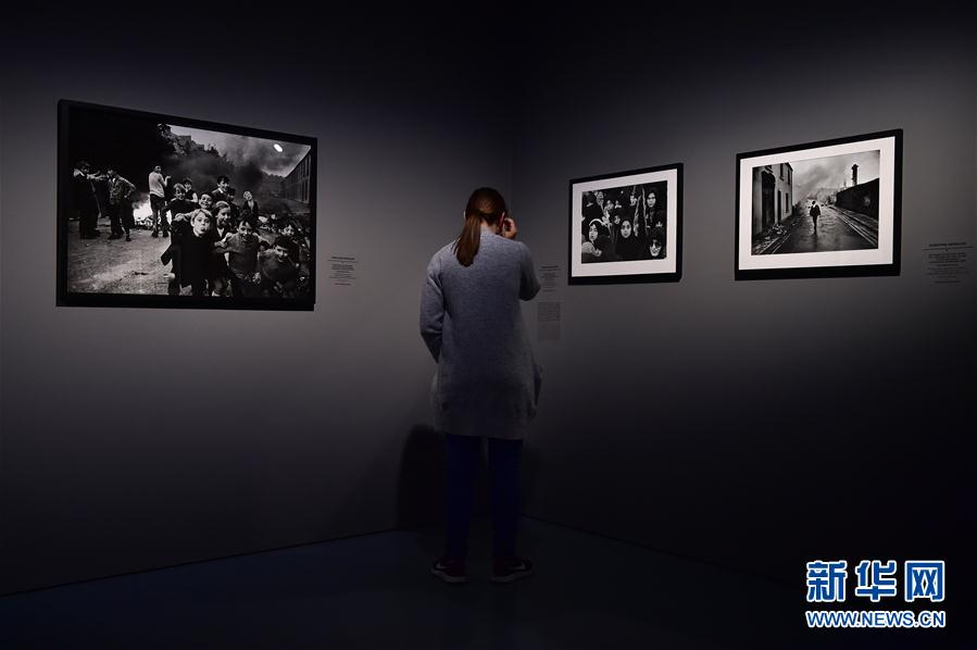 (国际)(3)德国杜塞尔多夫举行女战地摄影师作品展