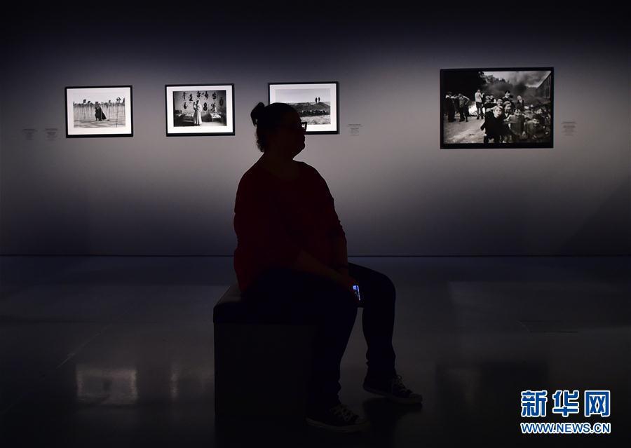(国际)(4)德国杜塞尔多夫举行女战地摄影师作品展